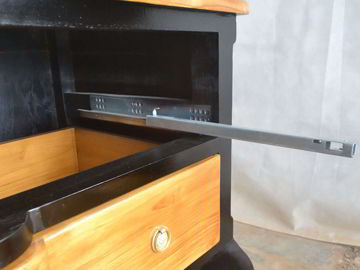 Front view of the dresser, see the waved bottom apron.