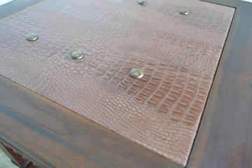 Solid wood top leaf frame of the center table