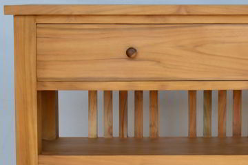 Drawer and wooden pulls detail