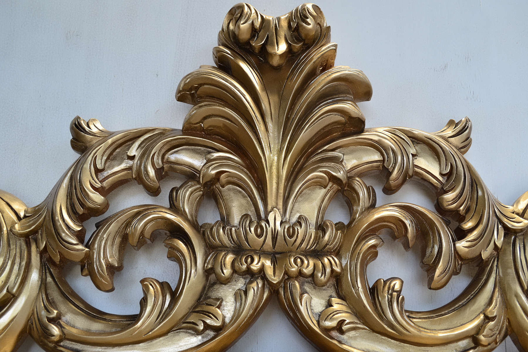 Acanthus leaves carving frame