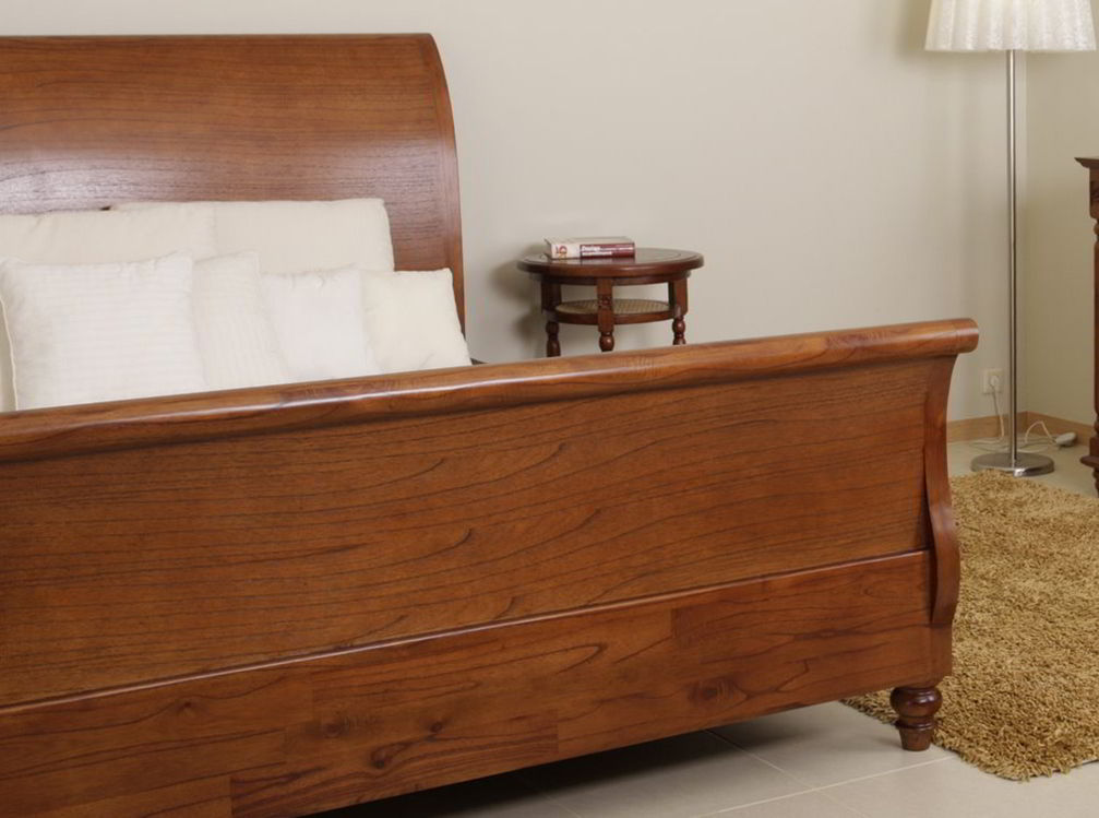 eleanor sleigh bed with elegant curved side rails | Sleigh bed: Curved and scrolled headboard bed frame